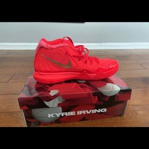 Kyrie red carpet size 13